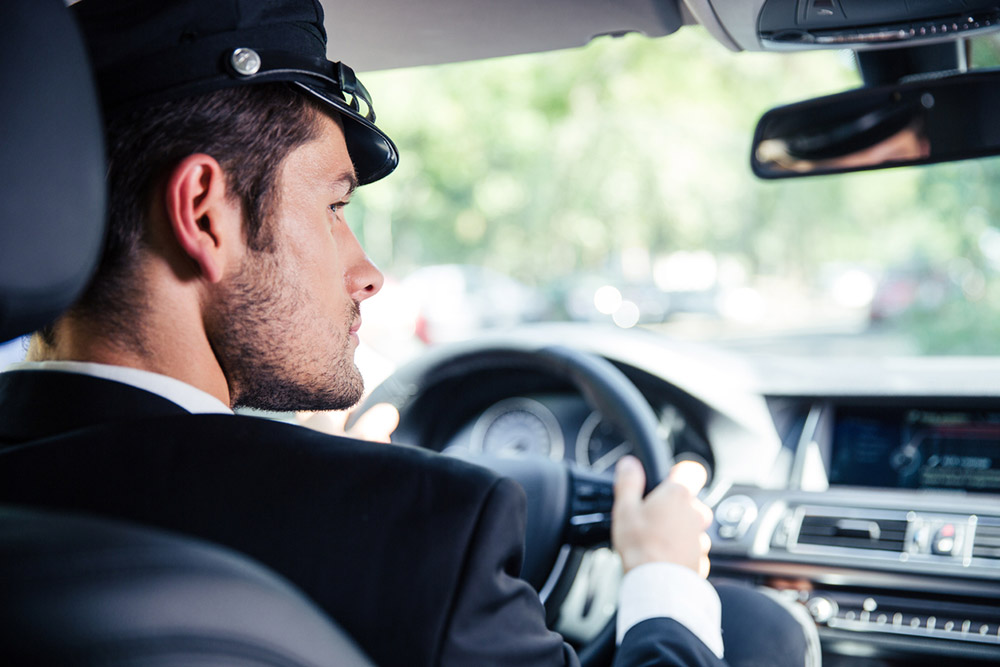 Reasons and Tips to Choosing a Chauffeur Car Service